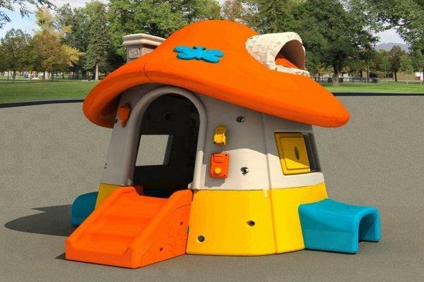 most z tunelem kolor, domek most z tunelem, domek skrzat, domek  z werandą, z weranda domek, domek na plac zabaw, domek plastikowy, domek do ogrodu, domek w serduszka, domek truskawka