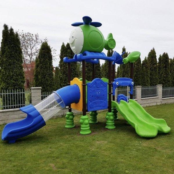 Plac zabaw realizacja, plac zabaw w przedszkolu, plac zabaw samolot, plac zabaw