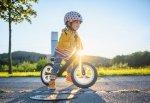 Jak wybrać pierwszy rowerek dla dziecka? Jakie akcesoria dodatkowe?