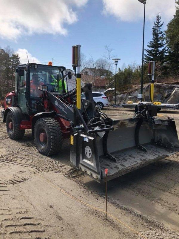 AP Powerblade system niwelacji terenu na ładowarkę kołową