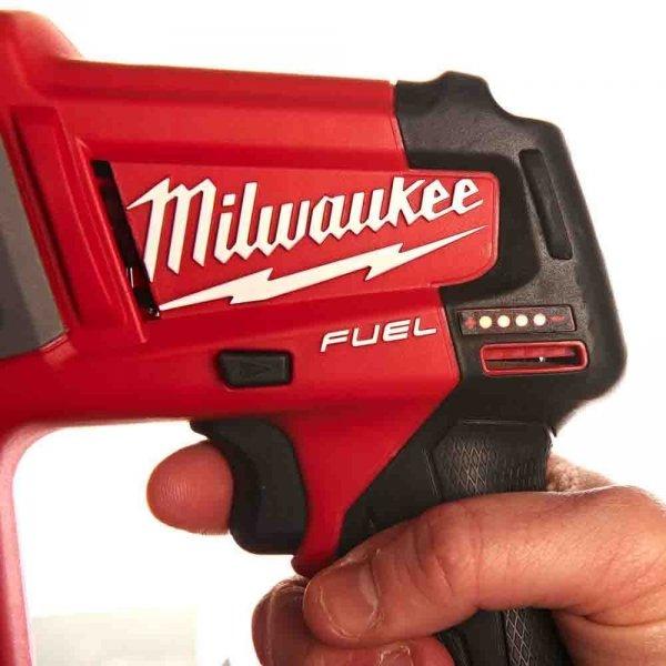 Znakomita młotowiertarka Milwaukee SDS-PLUS M12 CH-202C