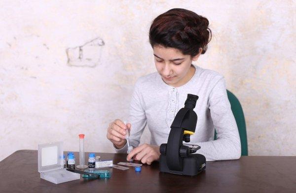 Mikroskop Bresser National Geographic 40–640x z adapterem do smartfona