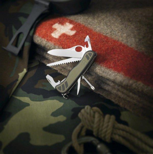 Nóż Szwajcarskiej Armii Victorinox 0.8461.MWCH + etui