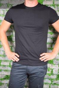 T-shirt czarny gładki.