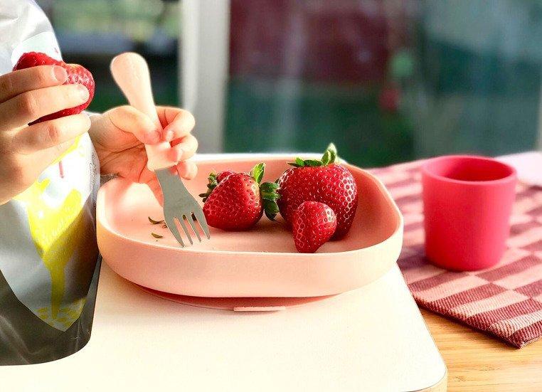 Beaba Silikonowy talerzyk z przyssawką pink