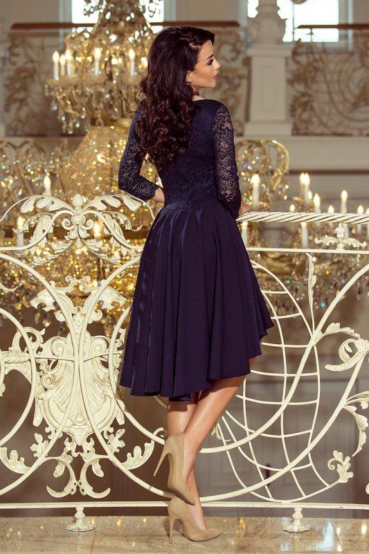 Sukienka z dłuższym tyłem z koronkowym dekoltem Nicolle - Granatowa - numoco 210-2