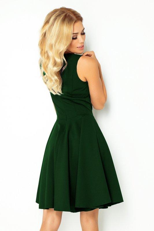 Rozkloszowana sukienka - dekolt w kształcie serca - Zieleń Butelkowa - numoco 114-10