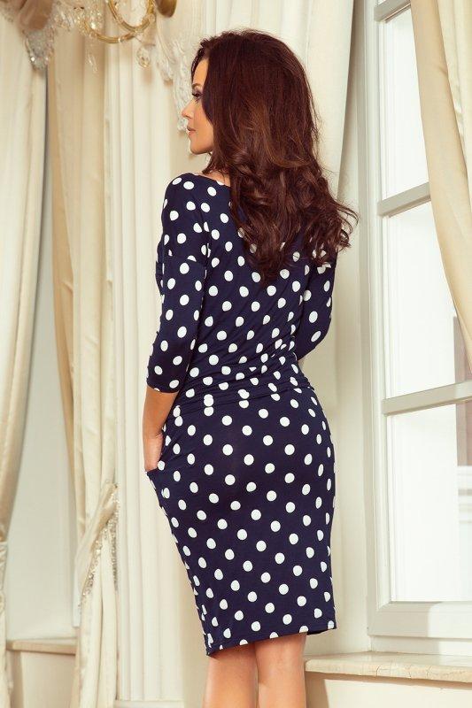 Sukienka sportowa z wiązaniem i kieszonkami - Granatowe grochy - numoco 13-101