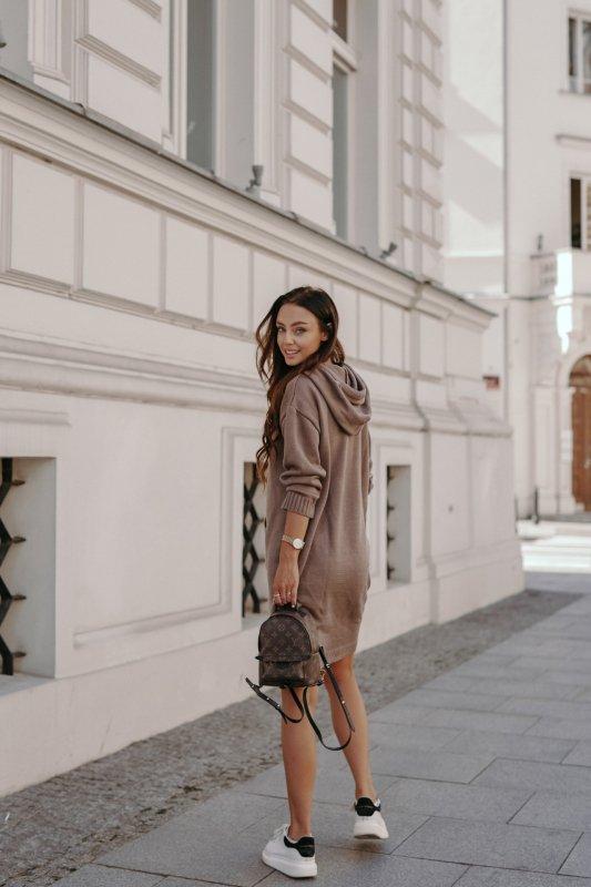 Swetrowa sukienka sportowa z kieszenią -  LSG132 - capucino-3
