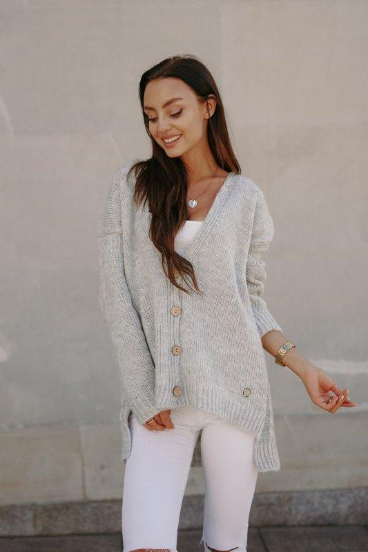 Sweter z guzikami i dłuższym tyłem - LS307- jasnoszary -6