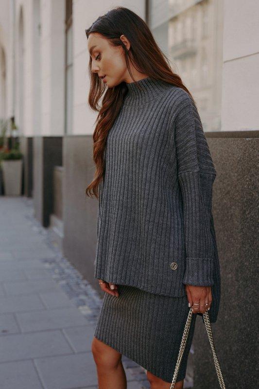 Komplet swetrowy – spódnica i sweter z golfem - grafit - 11