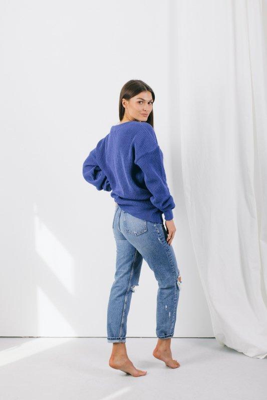 Sweter w dekolt V - LS328