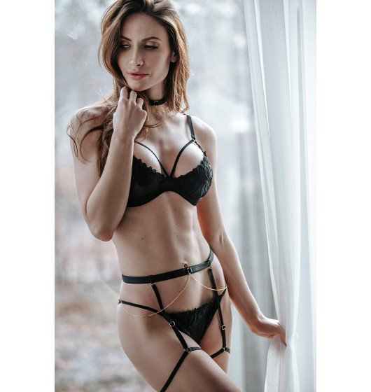Petitenoir Set ouf of plunge underwired bra with embroidery and brief XL