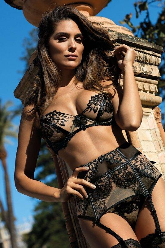 Figi Model V-8993 Seductive Woman Black - Axami