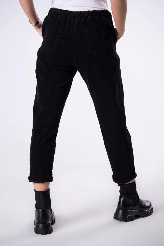 sztruksowe spodnie ze ściągaczem
