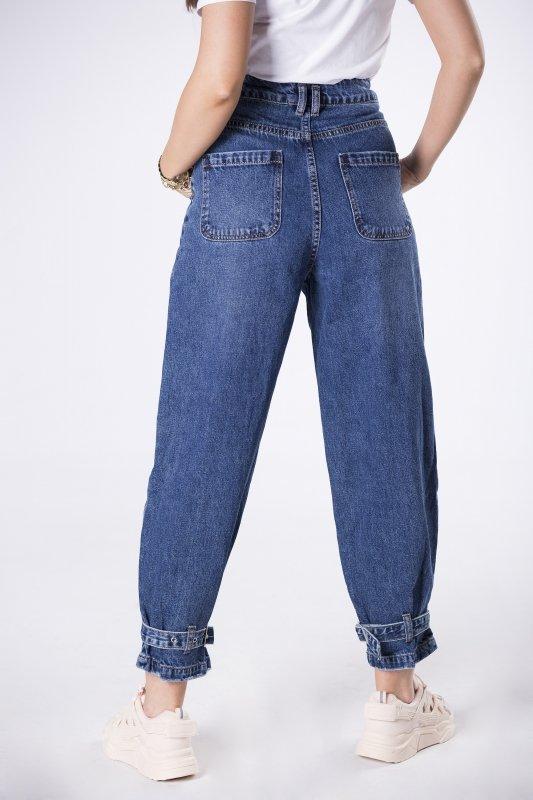 jeansy typu baggy z zakładkami
