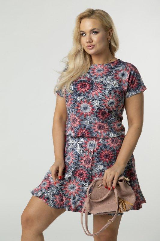 Wzorzysta sukienka z subtelnym lekko rozkloszowanym dołem wykończonym swobodną falbanką