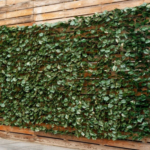 Sztuczna zielona ściana z bluszczu