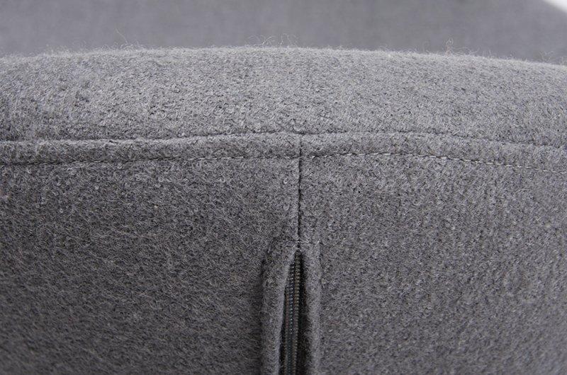 Fotel EGG SZEROKI BLACK z podnóżkiem  szary.18 - wełna, podstawa czarna