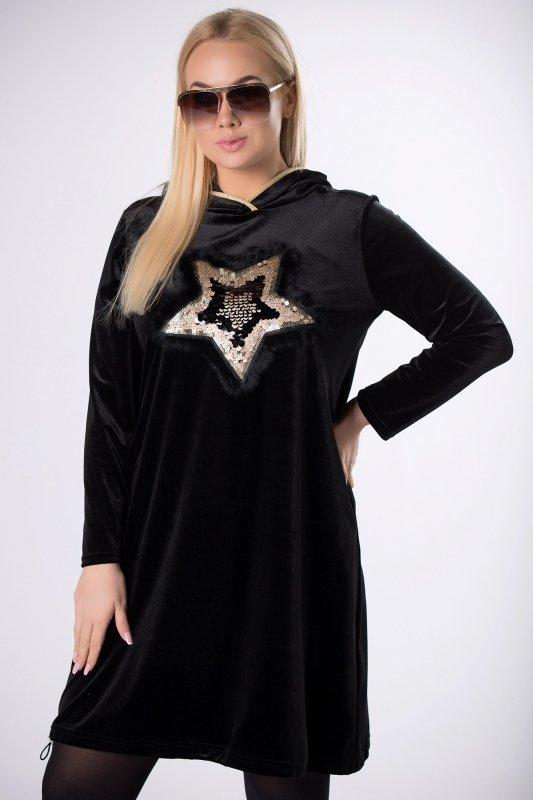 welurowa sukienka z kapturem