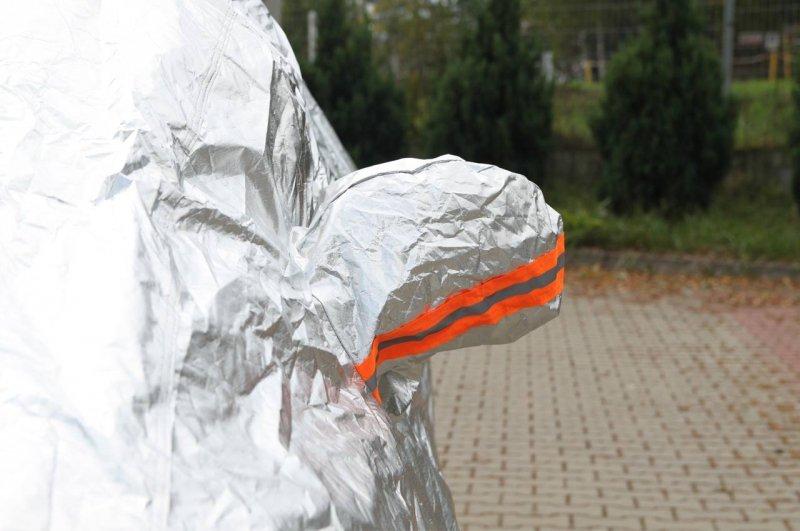 01112 Plandeka na samochód - rozmiar XL srebrna
