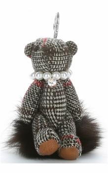 Přívěšek ke kabelce Káro medvídek v náhrdelníku z perel na pompomu hnědý