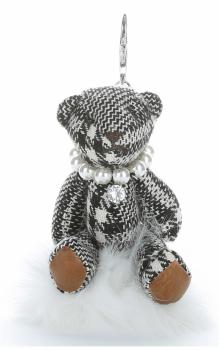 Přívěšek ke kabelce Káro medvídek v náhrdelníku z perel na pompomu bílý