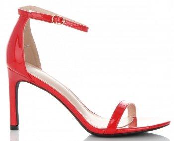 Elegantné lakované kožené dámske sandále s vysokým podpätkom z ideálnej topánky červenej
