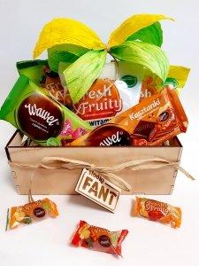 Kolorowy zestaw prezentowy słodyczy
