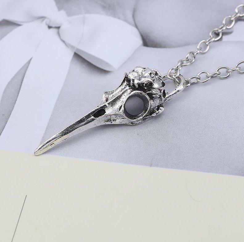 Wisiorek Czaszka Ptaka Gotycka I Magiczna Biżuteria