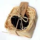 Czarna Róża w koszyczku - świeca z naturalnego wosku