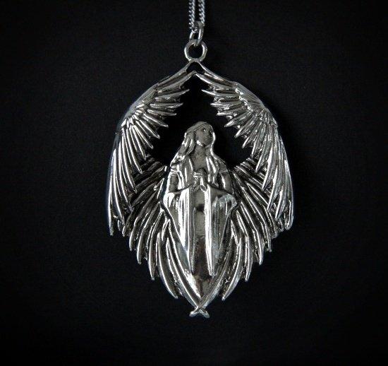 gotycki naszyjnik Prayer for the Fallen - Anioł, z serii Carpe Noctum Anne Stokes, talizman: Przyjaźń