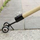 Narzędzie do usuwania chwastów, trawy i mchu z łączeń kostki brukowej.
