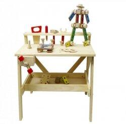 Drewniany warsztat mechanika z narzędziami i klockami
