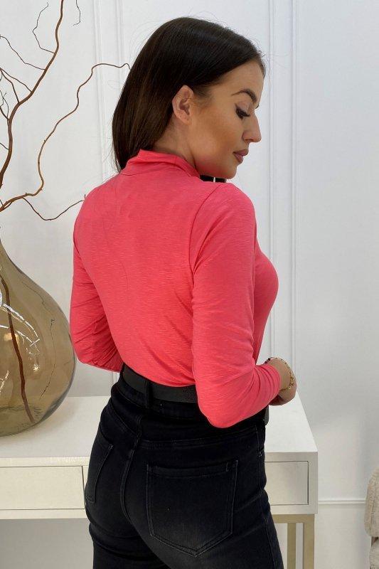 dopasowana bluzka z golfem