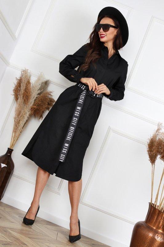 koszulowa sukienka z printem na plecach