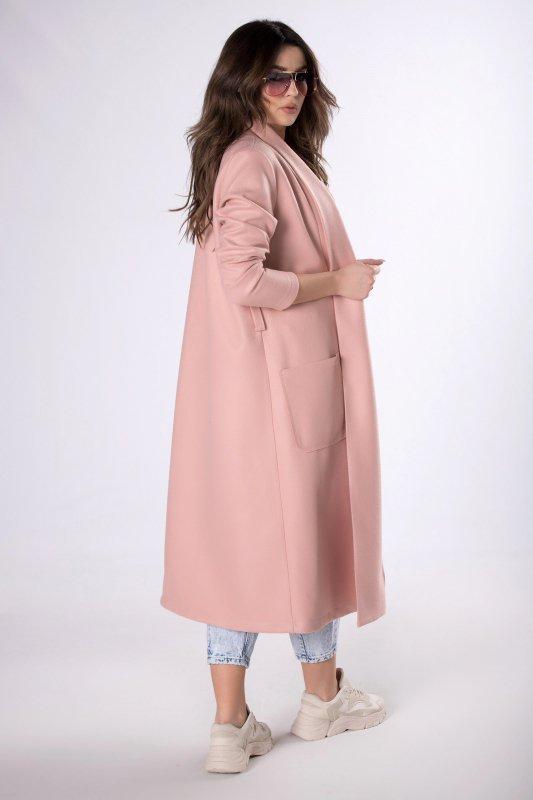 długi płaszcz z paskiem