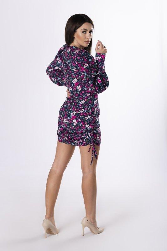 sukienka ze ściągaczami na bokach