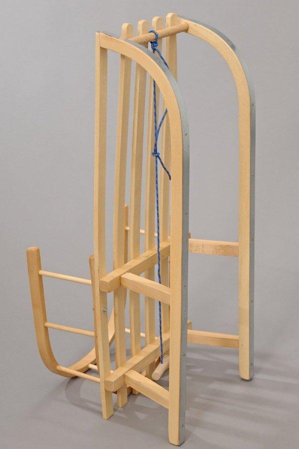 Holzschlitten mit Rückenlehne Winterfußsack 90cm Mokka