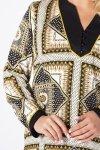 wzorzysta bluzka z guzikami na biuście