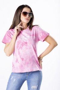 t-shirt z efektem tie dye