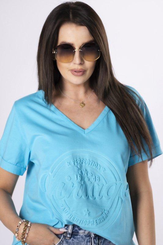 t-shirt z wytłaczanym nadrukiem