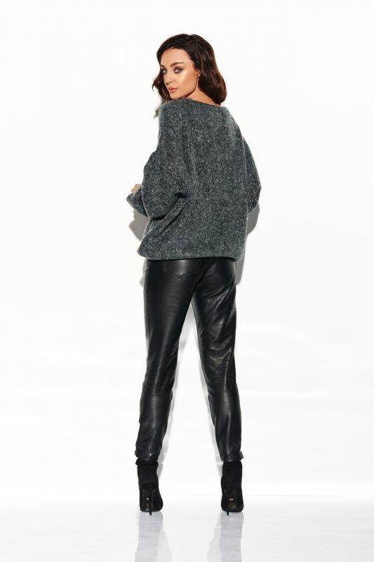Sweter z dużym dekoltem LSG111