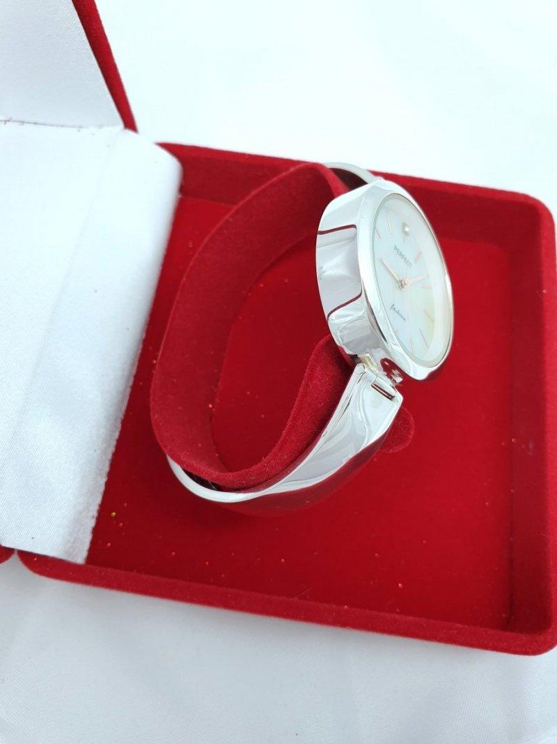 srebrny zegarek damski