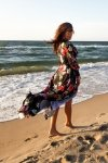 245-3 Sukienka MAXI z falbanką i dekoltem - CZERWONE KWIATY