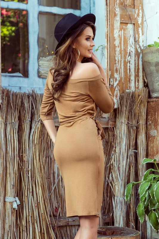 278-3 Sukienka z kieszonką - KARMELOWA