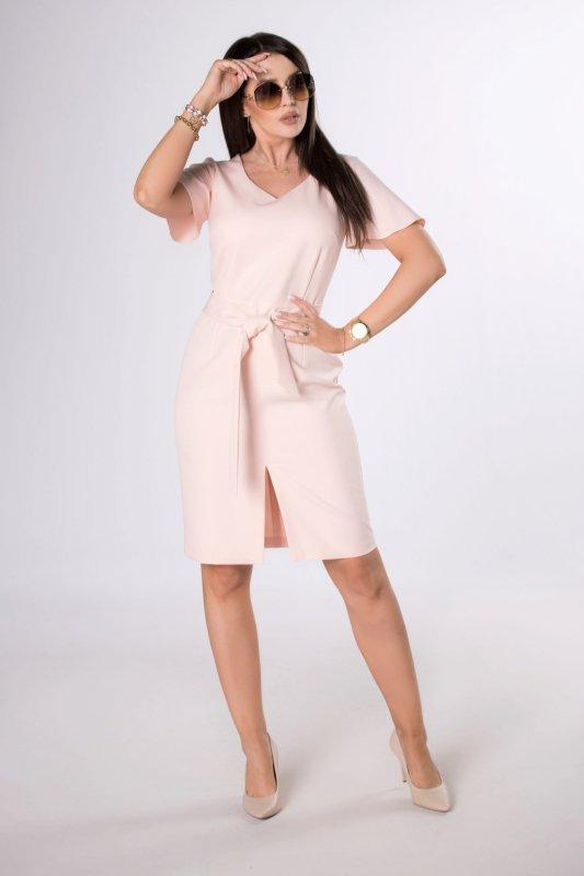 ołówkowa sukienka z rozcięciem