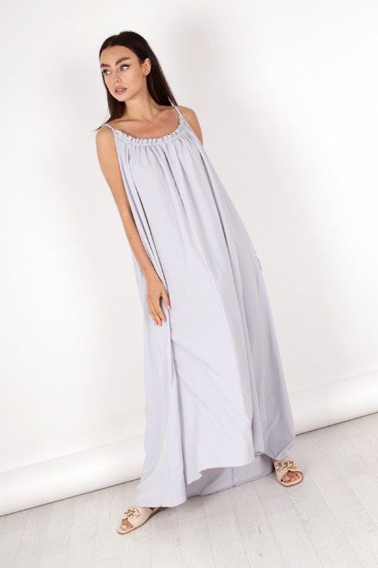 sukienka maxi z wyciętym tyłem