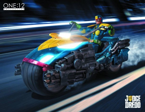 ONE-12 COLL JUDGE DREDD WITH BIKE BOX SET AF