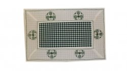 Walentynkowy Ozdobny obrus haftowany rozmiar 35x70 9247 HG Kolor: biało-zielony